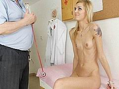 sindy-vega-at-gyno-clinic02.jpg
